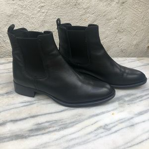 🖤Leather J CREW chelsea boots sz 7.5🖤